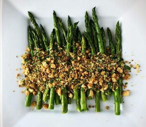 roast asparagus with Parmesan and breadcrumbs