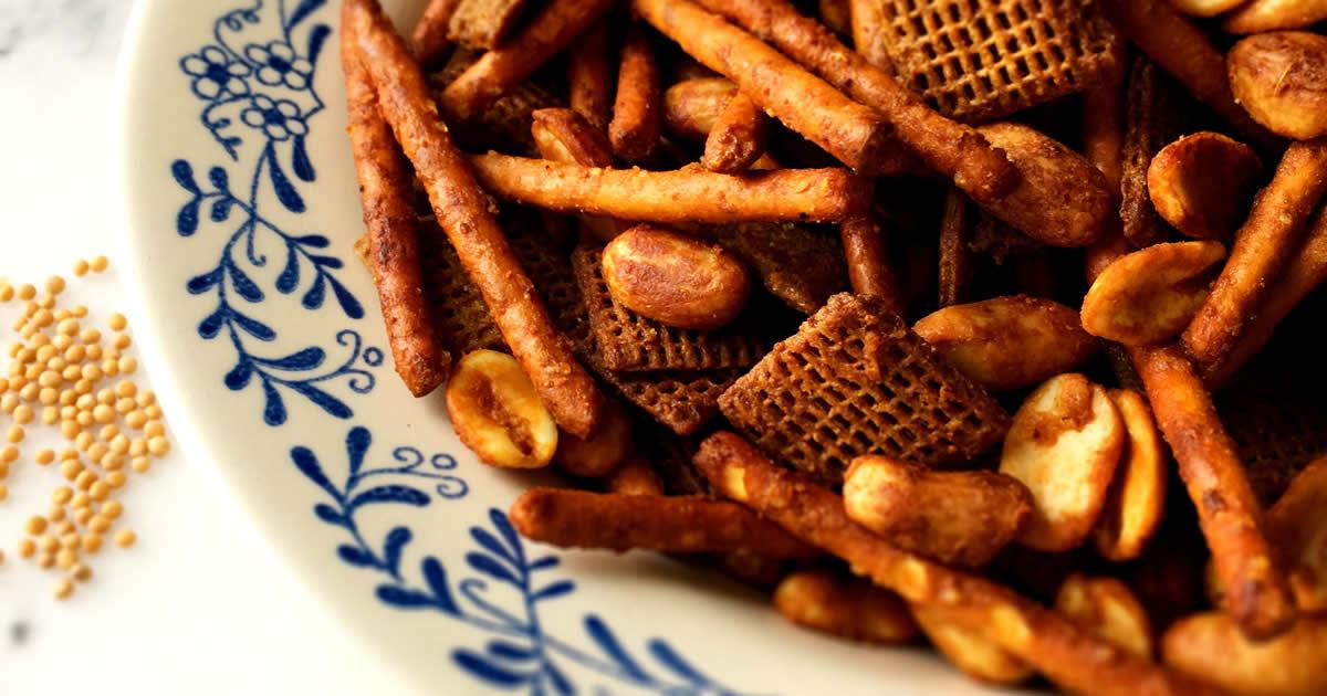 Honey Mustard Munchie Mix
